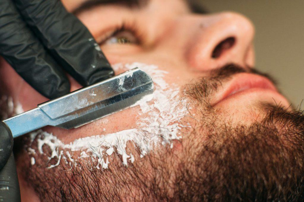 cura quotidiana della barba